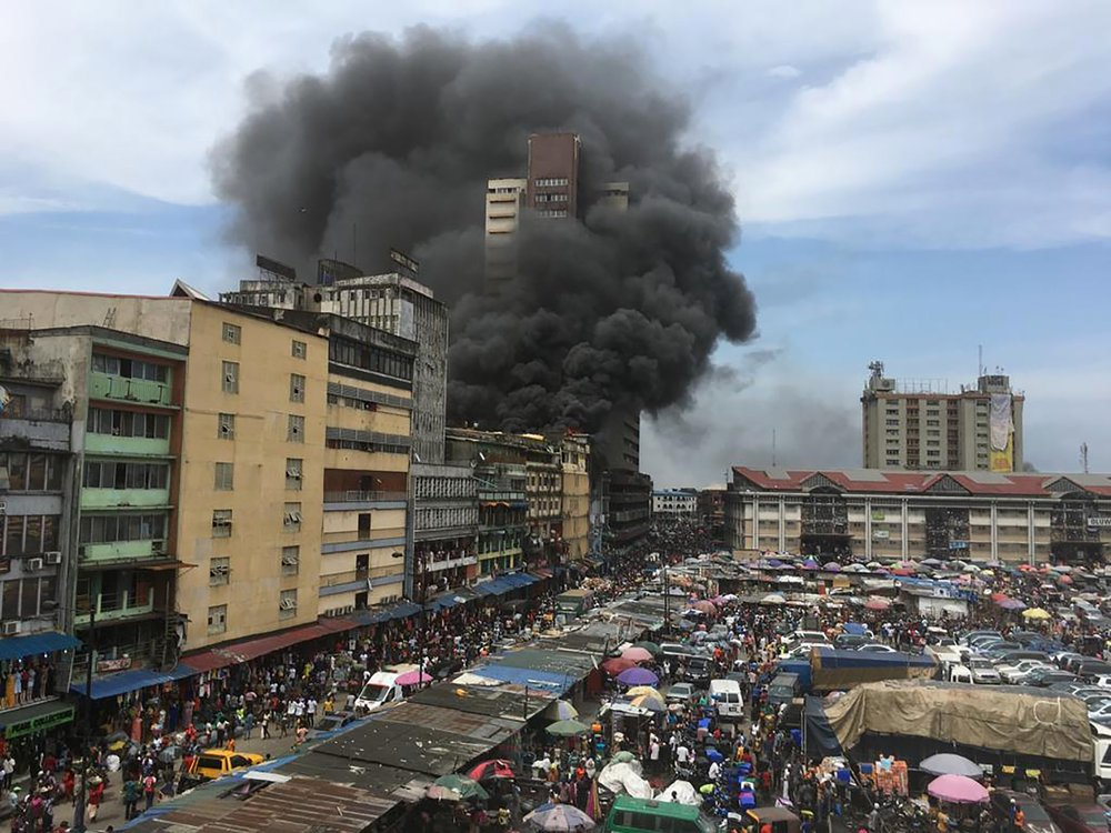 Lagos market fire of November 5 2019 captured by Sunday Alamba for AP
